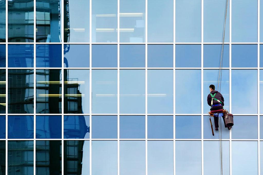 شركة تنظيف مباني ام القيوين   0563350658